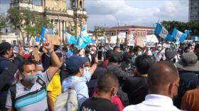 Guatemaltecos salen a protestar en contra de la fiscal general