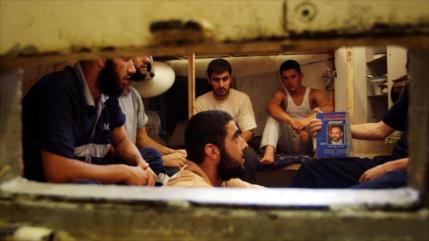 Presos palestinos, detenidos sin juicio, están en huelga de hambre