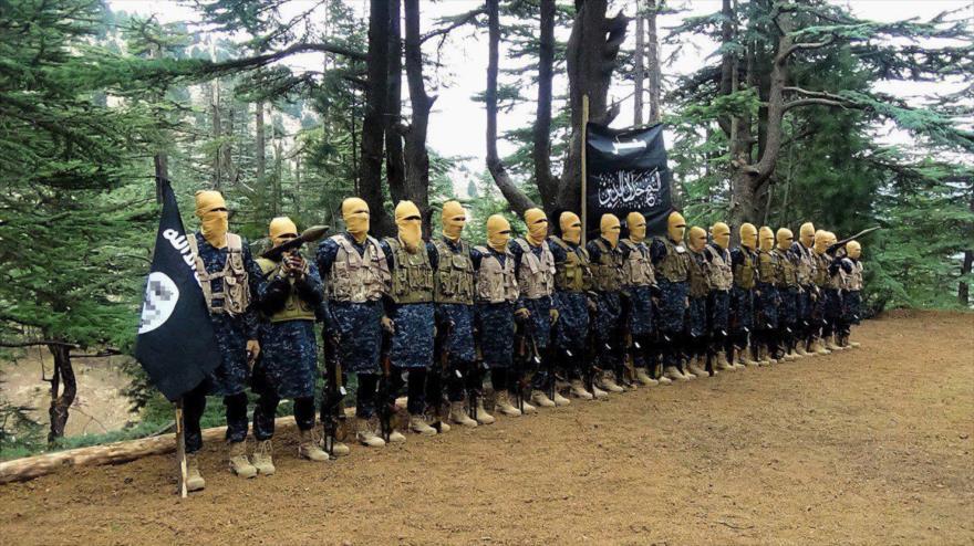 Integrantes del grupo terrorista Daesh en un campo de entrenamientos en Afganistán.