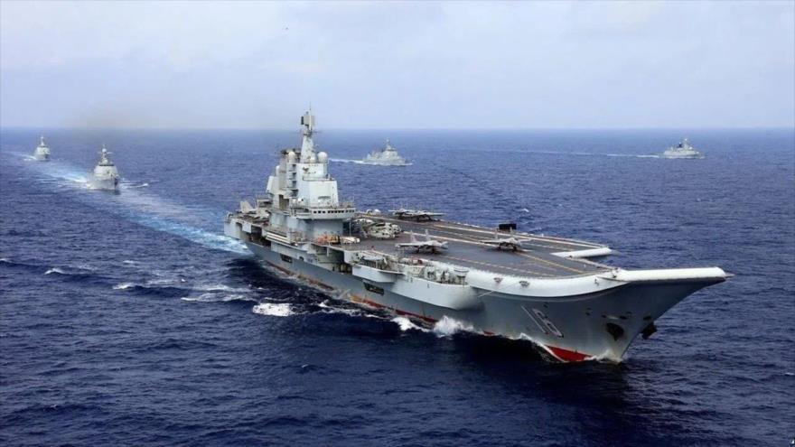 El portaviones Liaoning de la Armada del Ejército Popular de Liberación de China durante un simulacro en el Océano Pacífico. (Foto: Reuters)