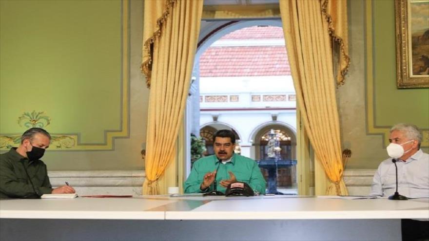 El presidente de Venezuela, Nicolás Maduro, durante una jornada de trabajo de 'Jueves Productivo', en el Palacio de Miraflores, 29 de julio de 2021.