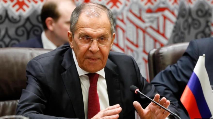 El canciller de Rusia, Serguéi Lavrov, durante un mitin.