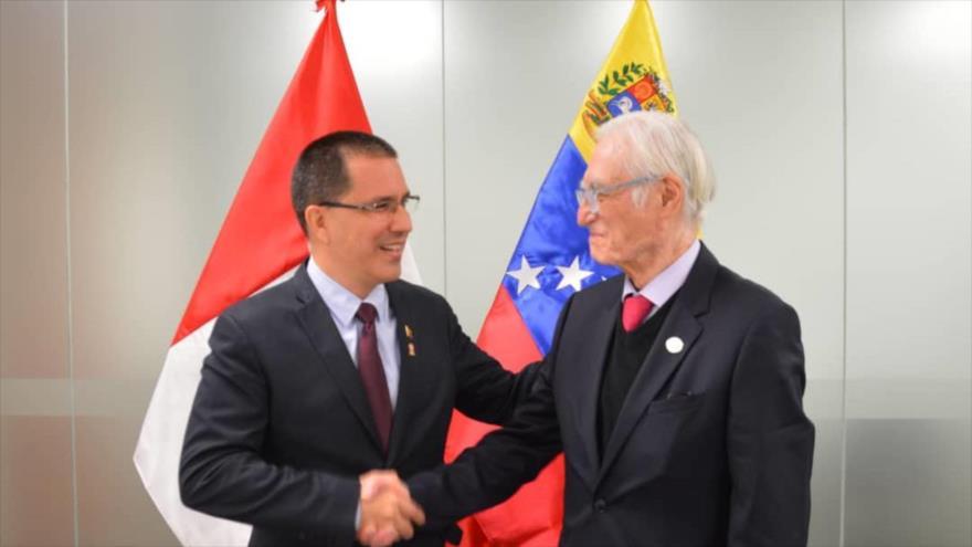 El nuevo canciller de Perú condena sanciones de EEUU a Venezuela