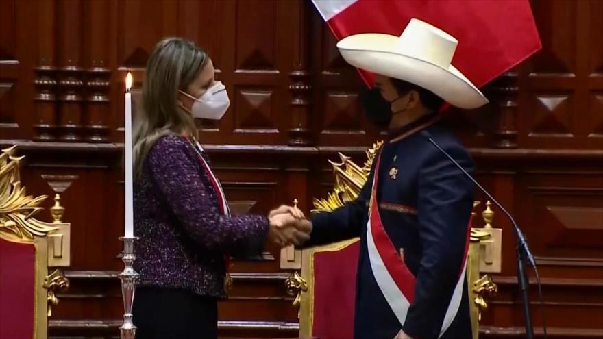 Recuento: Cambio de mando en Perú