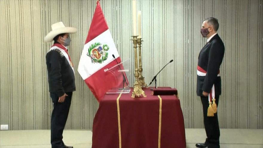 Pedro Castillo juramenta a ministros de Economía y de Justicia
