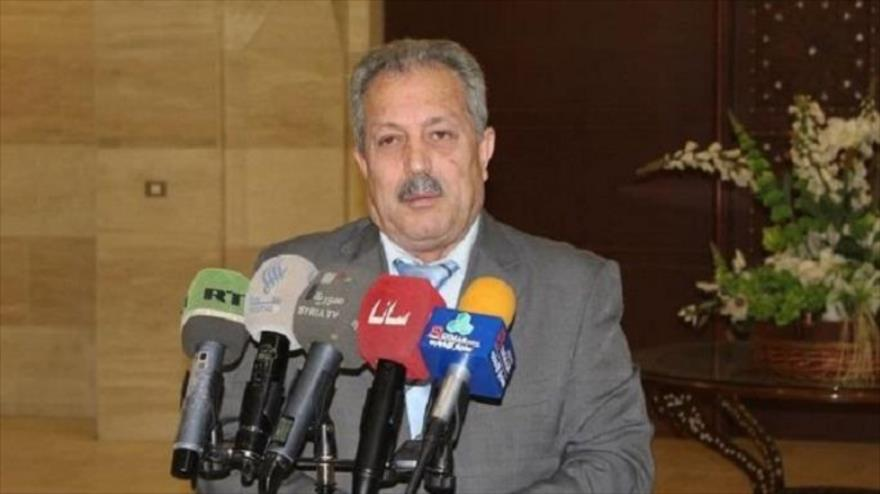 Husein Arnus, el primer ministro de Siria, durante una rueda de prensa.