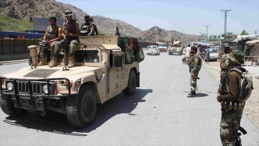 Fuerzas de seguridad afganas durante una operación contra los talibanes en la provincia de Nangarhar, 23 de julio de 2021. (Foto: Anadolu)