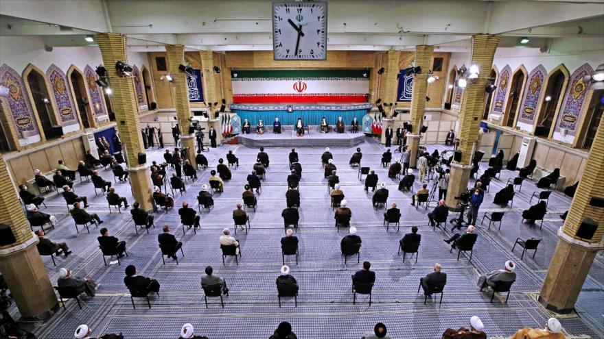 La ceremonia de convalidación del nuevo presidente iraní, Seyed Ebrahim Raisi, se celebró en Teherán, capital, 3 de agosto de 2021. (Foto: Khamenei.ir)