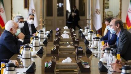 Zarif: Europa no debería seguir políticas de presiones y amenazas
