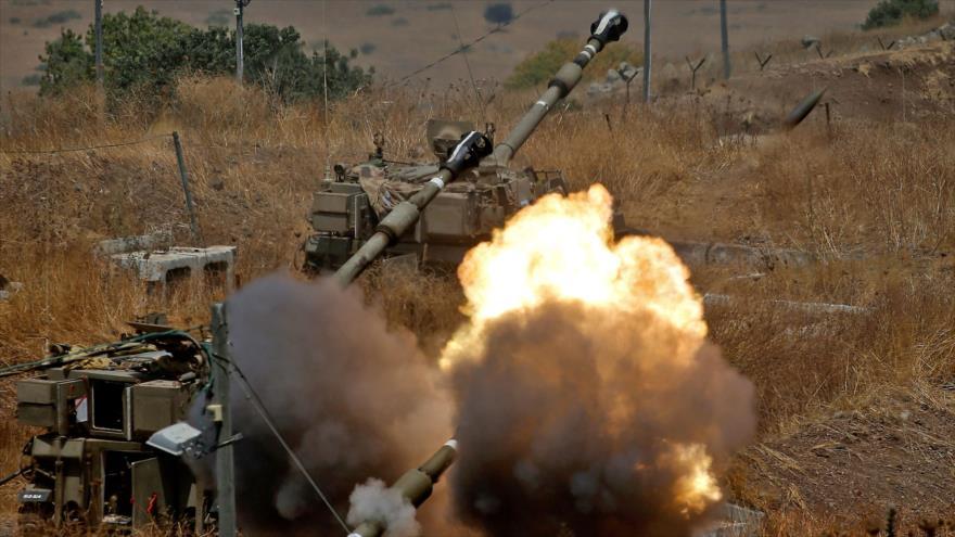 Obuses autopropulsados de Israel disparan hacia El Líbano, 6 de agosto de 2021. (Foto: AFP)