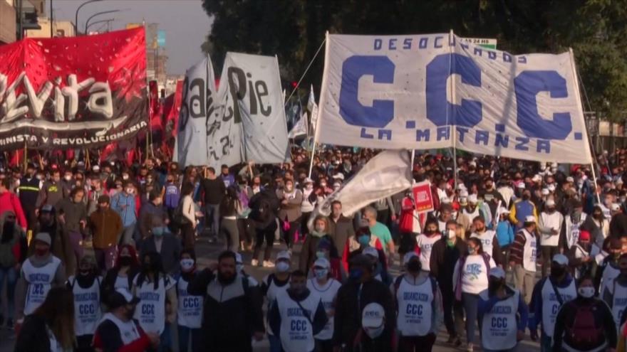 Argentina se moviliza contra pobreza, Fernández anuncia reapertura | HISPANTV