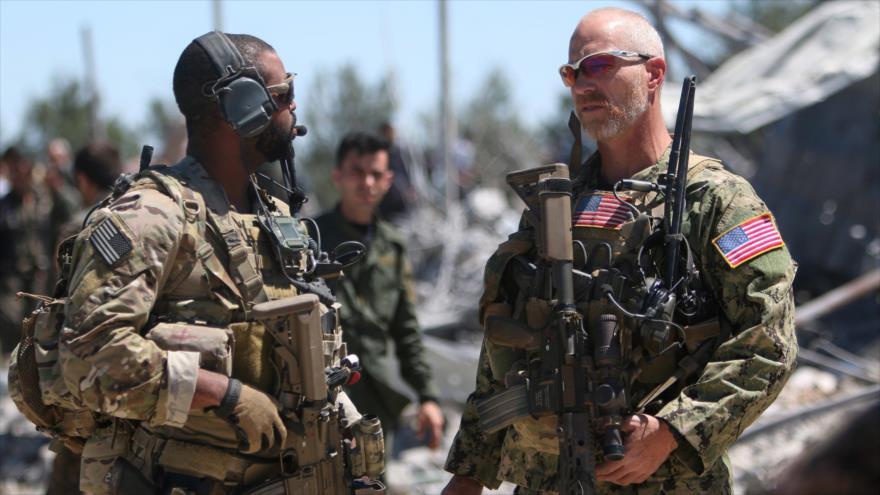 Fuerzas de EE.UU. en la sede de Unidades de Protección Popular (YPG, en kurdo) cerca de Al-Malikiya, Siria, 25 de abril de 2017. (Foto: Reuters)