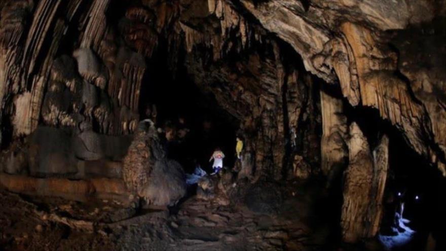 Investigadores han encontrado pinturas de hace unos 65 mil años en las Cuevas de Ardales, cerca de Málaga, situada en el sur de España.