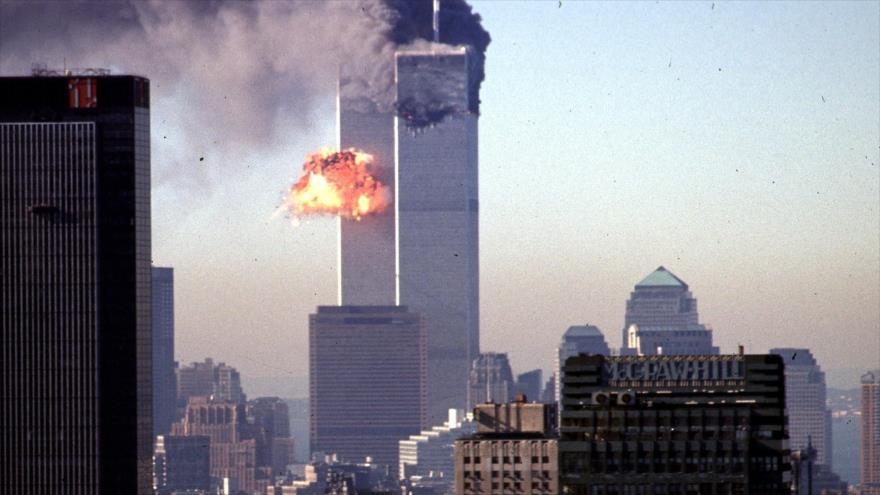 Las torres gemelas de World Trade Center en llamas tras los ataques contra estos edificios en Nueva York, EE.UU., 11 de septiembre de 2001. (Foto: AFP)