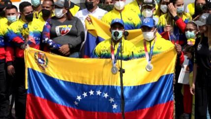 Venezuela recibe con gran fiesta a sus atletas olímpicos