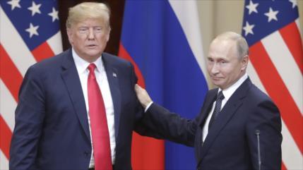 FBI, acusado de mentir en pesquisas sobre nexos Rusia-Trump