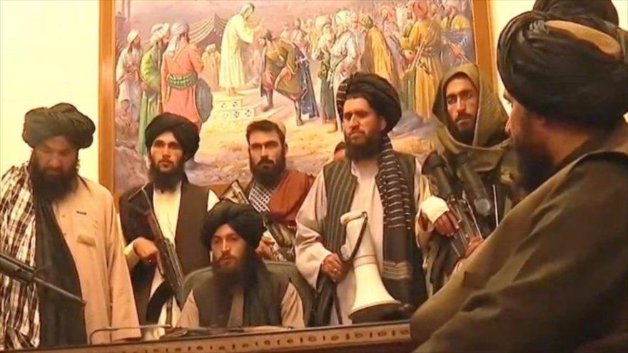 Talibán toma control de televisión estatal y palacio presidencial | HISPANTV