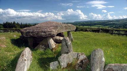 """Hallan origen de la famosa """"piedra de Arturo"""" de 5700 años"""