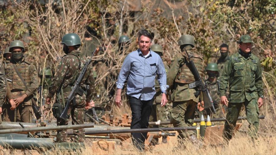 Mayoría de brasileños cree que Bolsonaro podrá dar golpe de Estado | HISPANTV