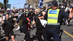 Policía australiana reprime protestas contra duras restricciones