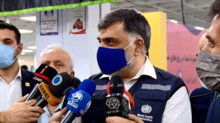 Representante de OMS visita el mayor centro de vacunación de Teherán