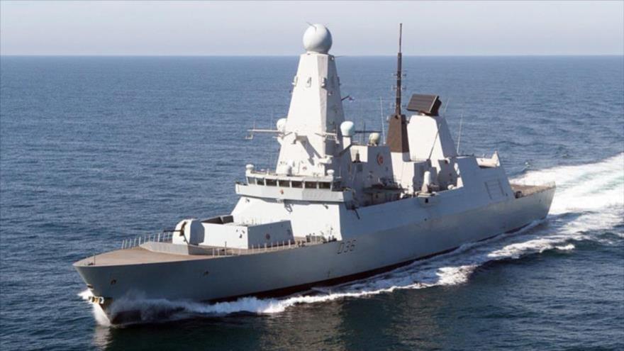 Un destructor HMS Defender, de la Armada del Reino Unido.