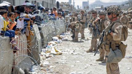 Talibán culpa a EEUU por situación caótica en el aeropuerto de Kabul