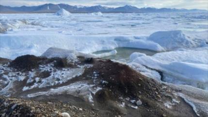 """Científicos hallan """"por accidente"""" la isla más al norte de Tierra"""
