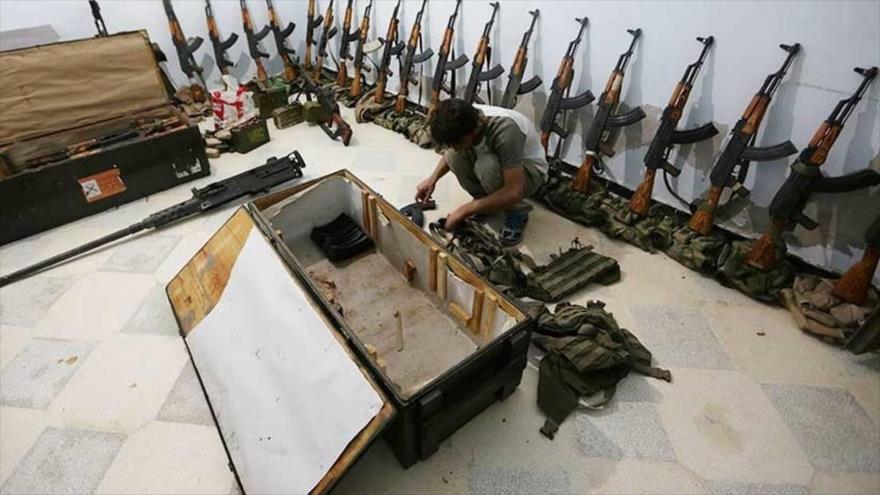 Un depósito de armas controlado por los terroristas sirios en la provincia de Alepo, Siria.