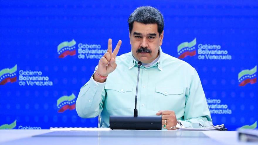 Maduro: Llevamos exigencias económicas a mesa de diálogos en México