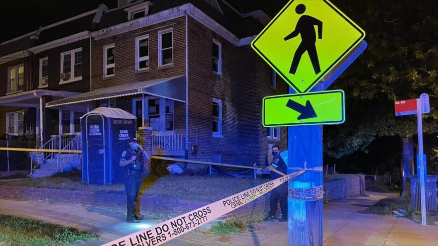Escena de un tiroteo en Longfellow, en el noroeste de Washington D.C., capital de EE.UU., 4 de septiembre de 2021.