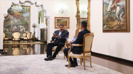 Maduro urge a 'descolonizar' las relaciones entre España y Venezuela