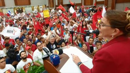 Izquierdista Castro promete salvar a Honduras de la dictadura