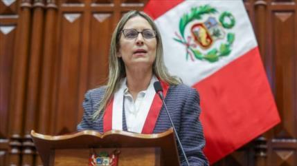 Presentan moción de censura contra presidenta del Congreso peruano