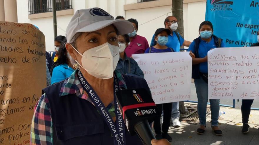 Salubristas protestan por falta de insumos en Guatemala