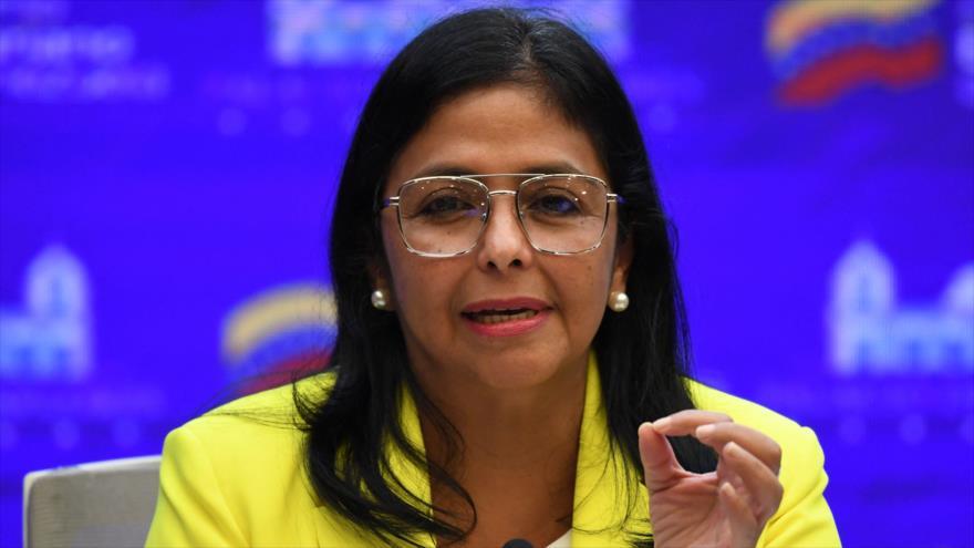 La vicepresidenta venezolana, Delcy Rodríguez, en una reunión en Palacio de Miraflores, en Caracas, 24 de agosto de 2021. (Foto: AFP)