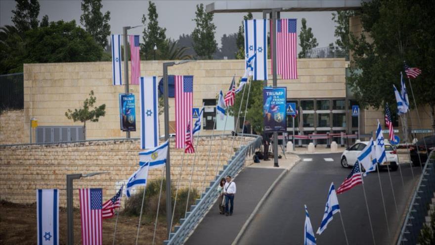 Fachada de la embajada de EE.UU. en Al-Quds (Jerusalén) antes de su inauguración, 13 de mayo de 2018.