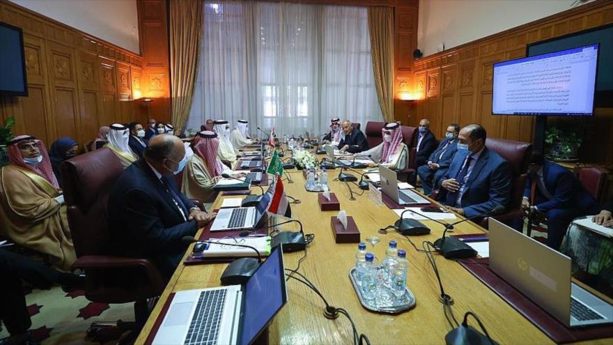 Cancilleres del llamado Cuarteto Árabe, integrado por Egipto, Arabia Saudí, los EAU y Baréin, en una reunión en El Cairo, 9 de septiembre de 2021.