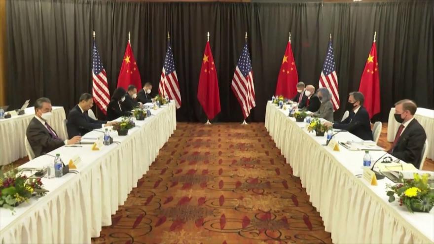 Presidentes de EEUU y China dialogan para evitar conflicto