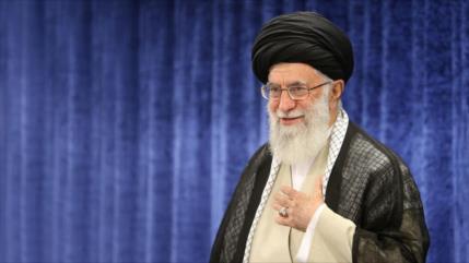 Líder de Irán resalta regreso de la flota naval iraní del Atlántico