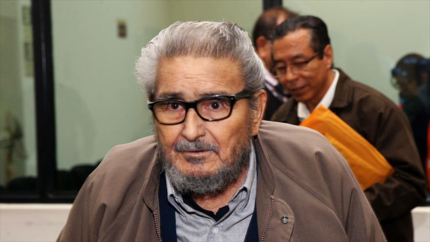 Abimael Guzmán, el líder de Sendero Luminoso, asiste a procedimientos judiciales en Lima, cpaital peruana, 27 de junio de 2017. (Foto: AFP)