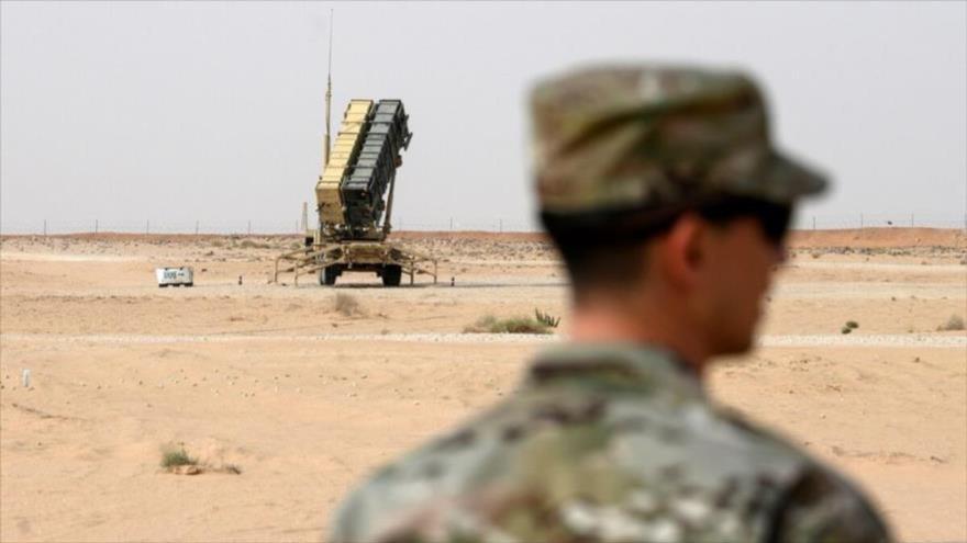 Una batería de sistema antimisiles Patriot de EE.UU. en la base aérea del Príncipe Sultán en la ciudad saudí de Al-Jary (centro), 20 de febrero de 2020. (Foto: AFP)