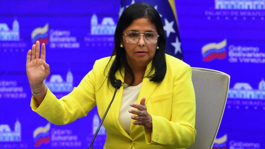 La vicepresidenta venezolana, Delcy Rodríguez, habla durante una conferencia de prensa en Caracas, 24 de agosto de 2021. (Foto: AFP)
