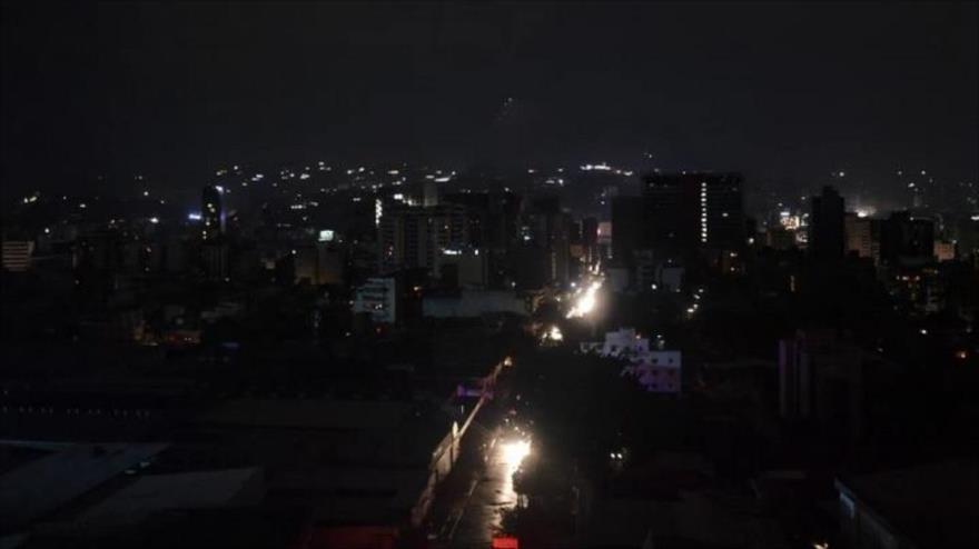 Sabotaje en el sistema nacional eléctrico de Venezuela dejó sin luz la capital y muchas otras ciudades del país sudamericano en 2019.
