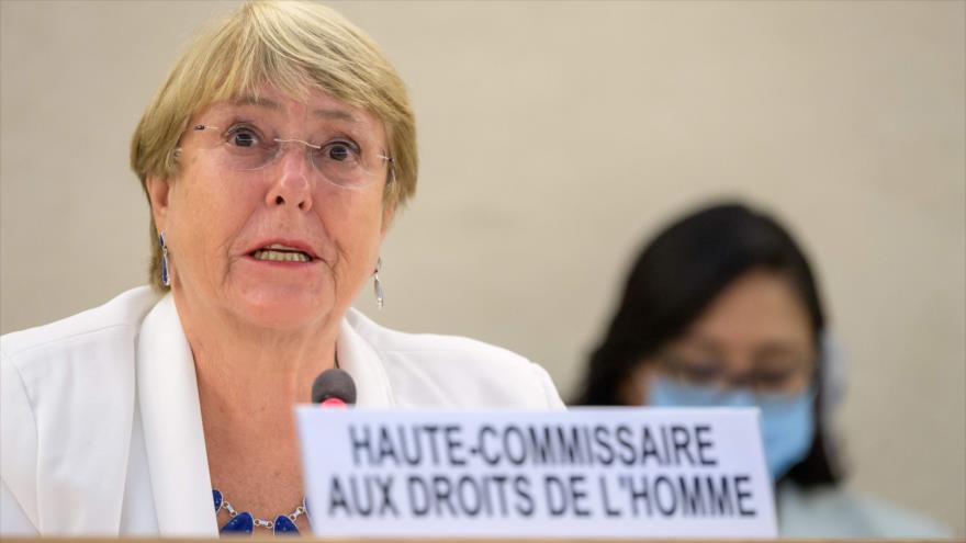 La alta comisionada de las Naciones Unidas para los Derechos Humanos, Michelle Bachelet, en una reunión en Ginebra, 24 de agosto de 2021. (Foto: AFP)