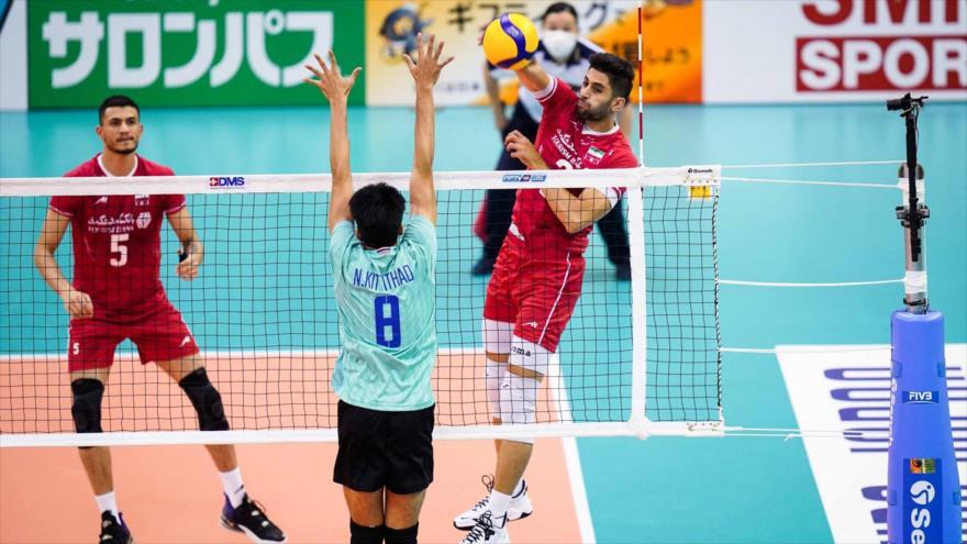 La selección nacional iraní derrota a Tailandia en el Campeonato Asiático de Voleibol Masculino, 13 de septiembre de 2021.