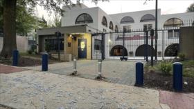 Se burlan de Israel arrojando cucharas a su embajada en Washington