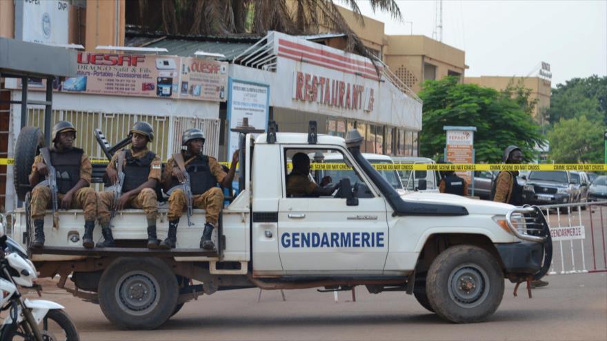 Gendarmes desplegados en Burkina Faso tras un atentado. (Foto: Reuters)