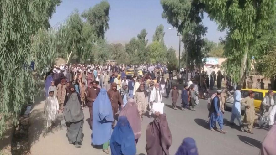 Miles de afganos protestan contra Talibán