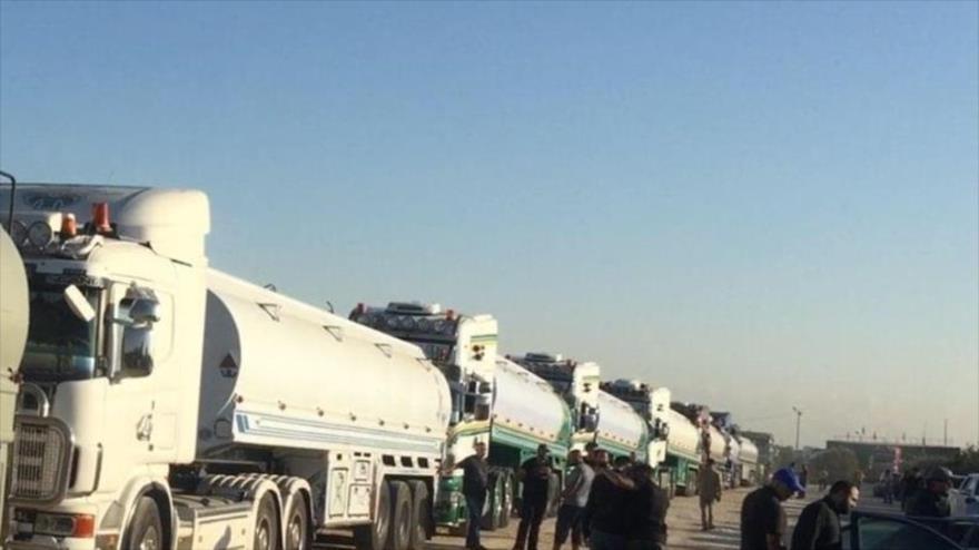 Vídeo: Convoy de combustible iraní llega a El Líbano desde Siria   HISPANTV
